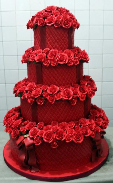Торты с красным цветком